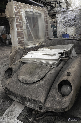 Garage Imperia - voiture abandonnée