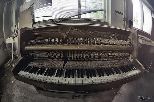 Le piano souriant