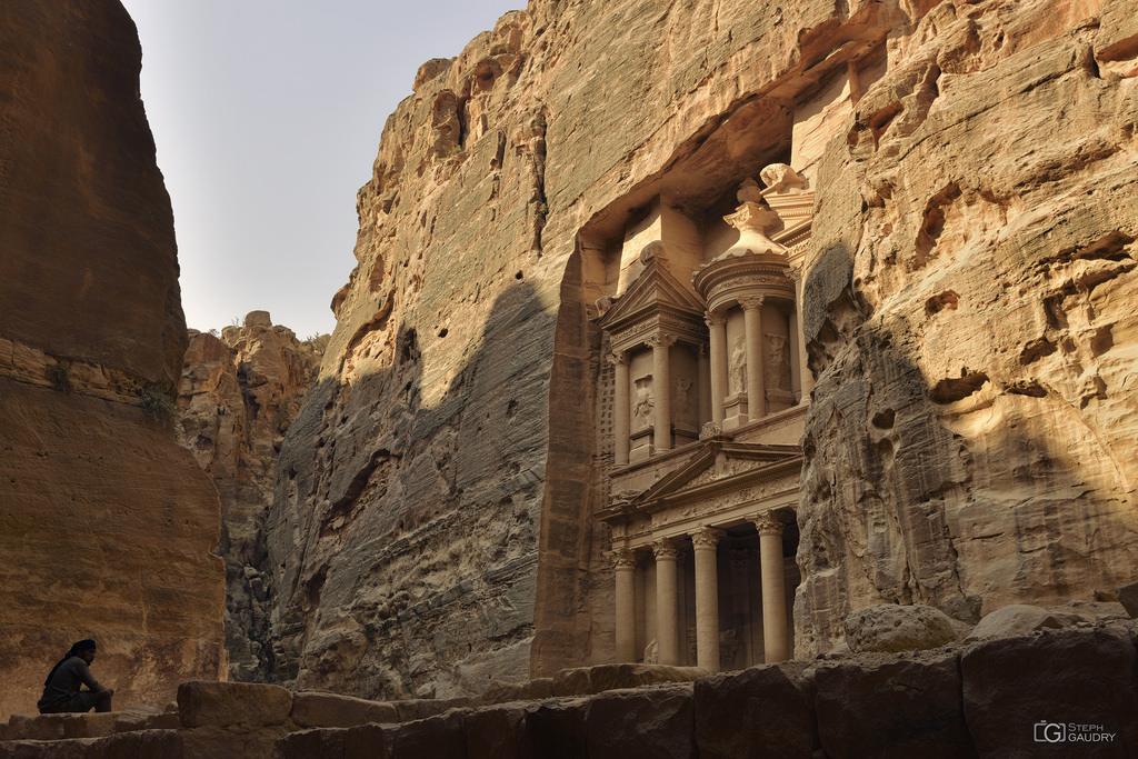 Petra - la Khazneh - vue latérale