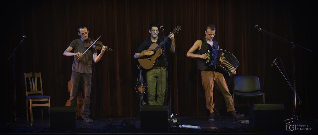 Onirim ( avec Joachim Loneux, Loïc Holzemer et Fredo Zupi)2015_06_12_193605