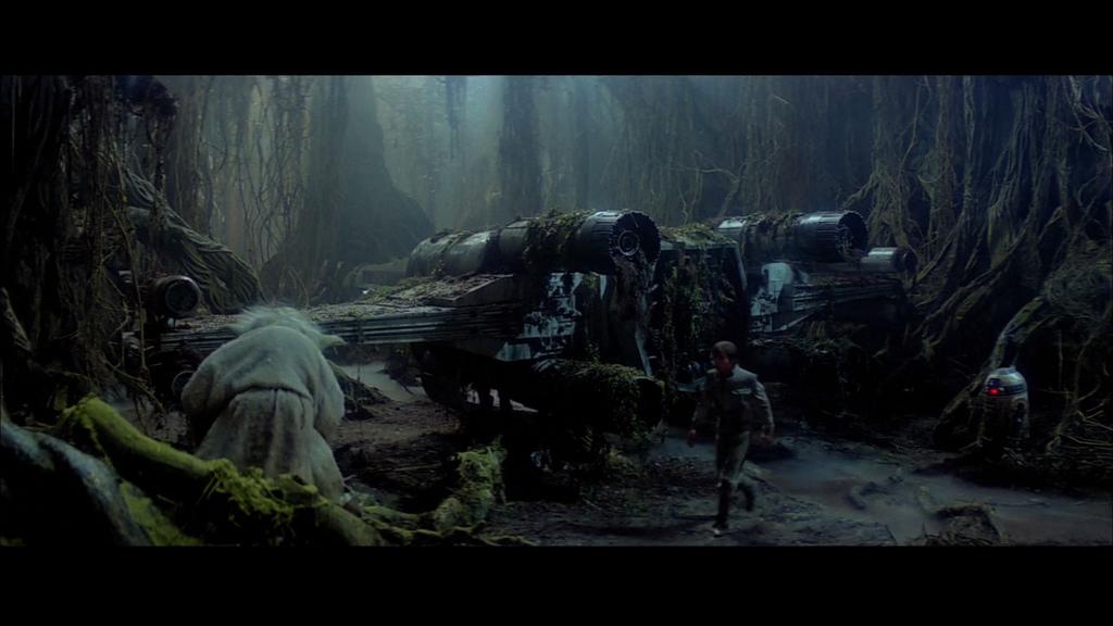 Star Wars V, l'Empire contre-attaque; le chasseur X-wing de Luke est extrait des marécages de Dagobah.