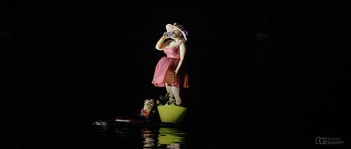 La future maman est à l'eau (dans tous les sens du terme)
