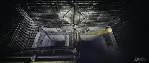 L'intérieur du four en regardant vers le bas
