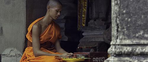 Prière bouddhiste au Cambodge