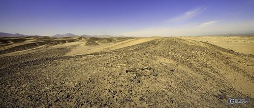 Y'a rien à voir... sauf le désert