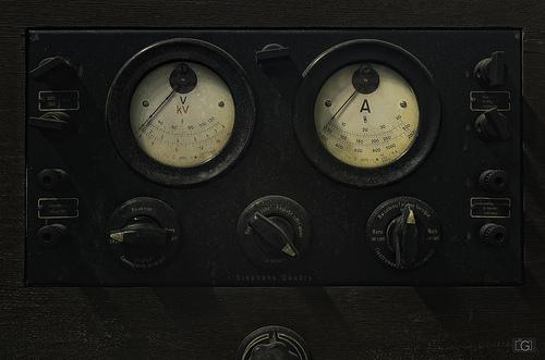 Panneau électique - Voltage et Ampérage