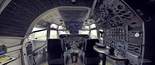 Cockpit Boeing 707 - full view