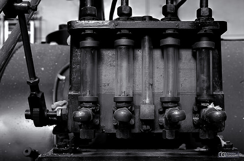 Energeia cylinders - bw