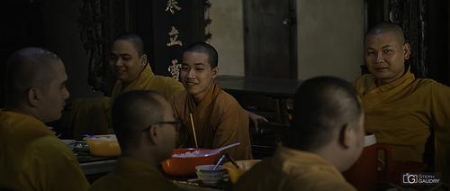 Le repas des moines bouddhistes