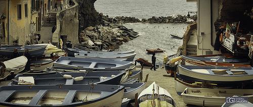 Il porto di Riomaggiore mantiene un certo fascino
