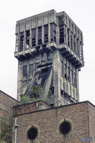 Chevalement de la tour 3