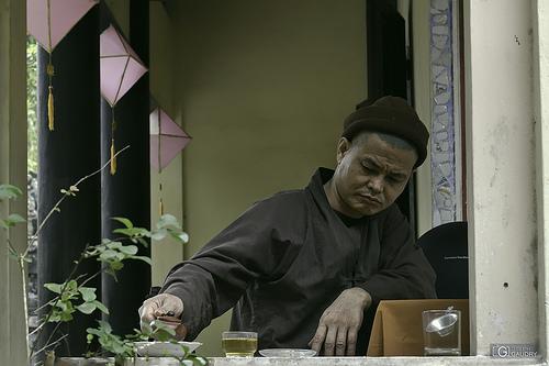 Le rituel du thé à Hué - version APSC paysage