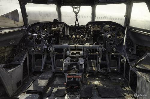 Antonov An-24 cockpit