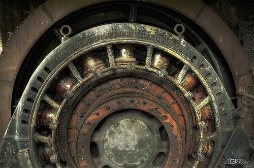 Un des deux moteurs de la machine d'extraction du puits n°1