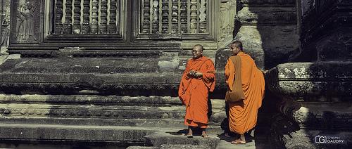 Bouddhistes dans les anciens temples au Cambodge