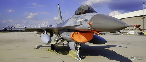 EHEH - F-16 Fighting Falcon