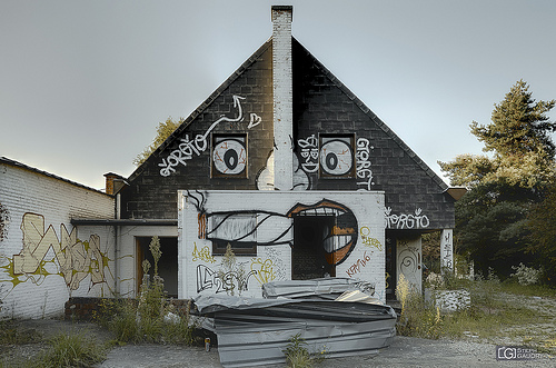 Doel, The haunted house watches you