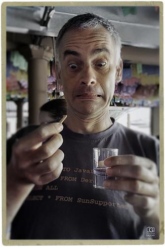 Tequila, si; los gusanos que lo acompañan, bla ...