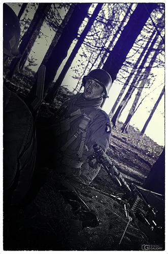 Airborne guy and .30 gun machine gun