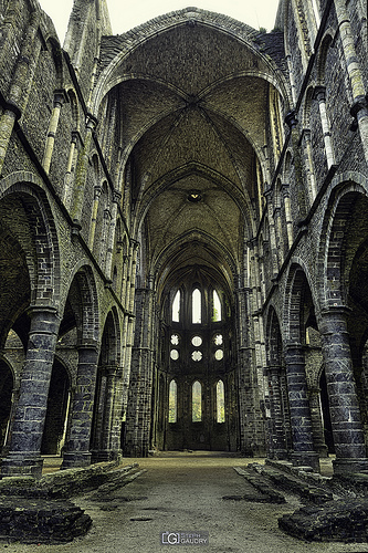 Abbaye de Villers: Coeur, vu de la nef - cadrage original