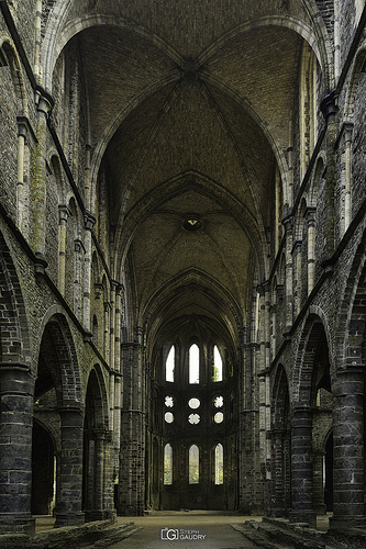 Abbaye de Villers: Coeur, vu de la nef - version finale