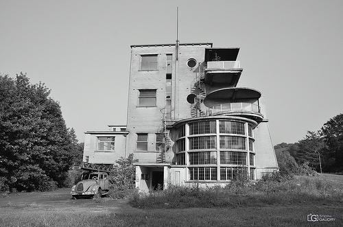 Sanatorium et camion de pompiers