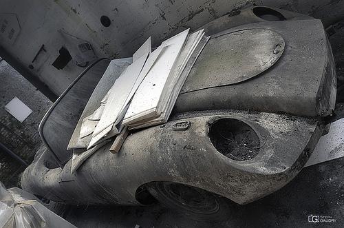 Garage Imperia - voiture abandonnée - avant
