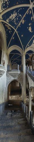 Panorama vertical de l'escalier de Noisy