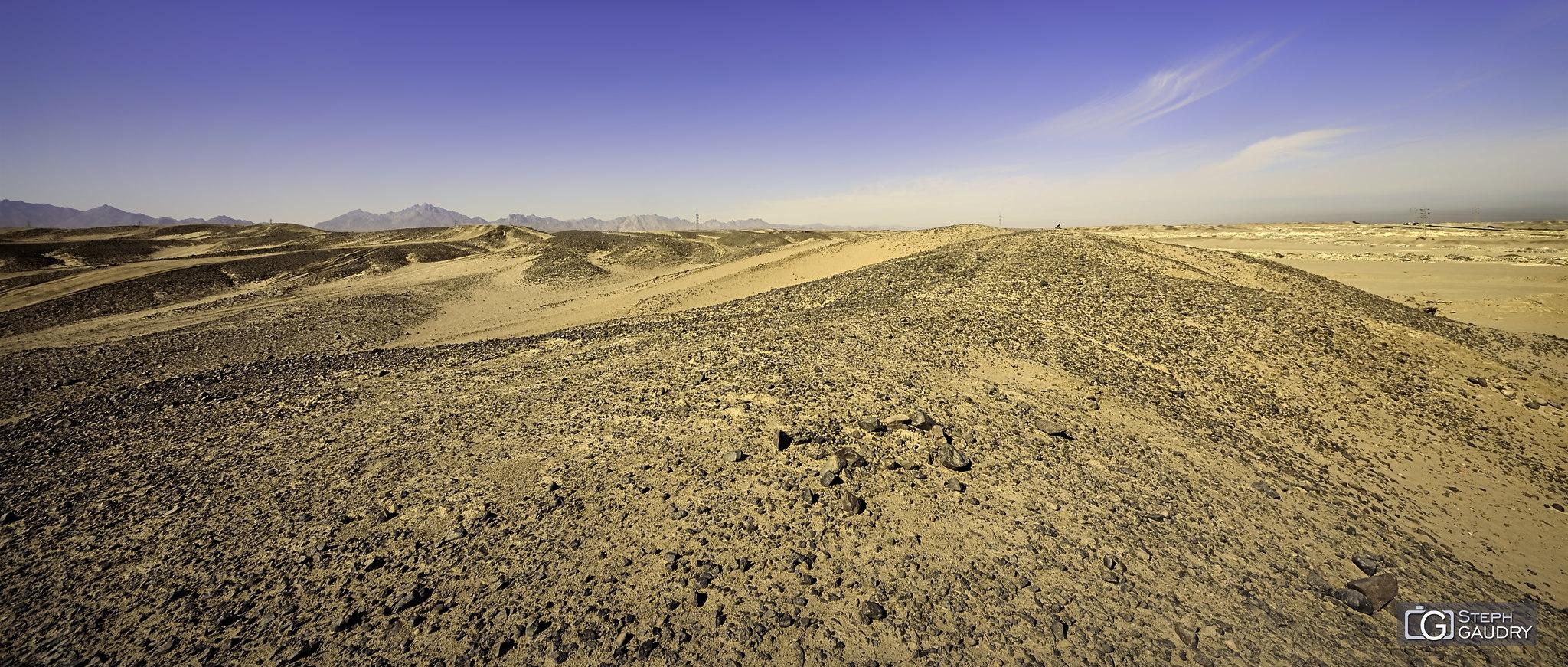 Y'a rien à voir... sauf le désert [Click to start slideshow]