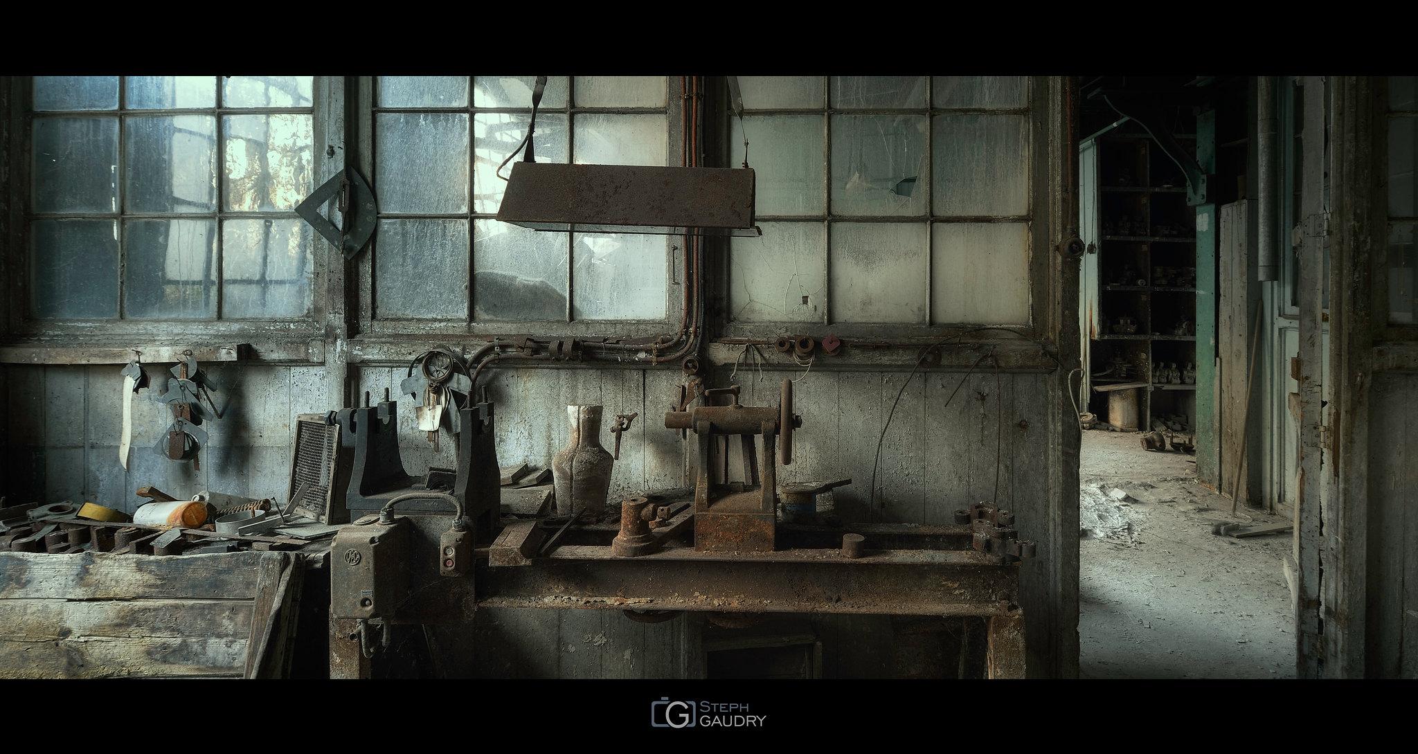 La cristallerie - établi de tournage [Click to start slideshow]