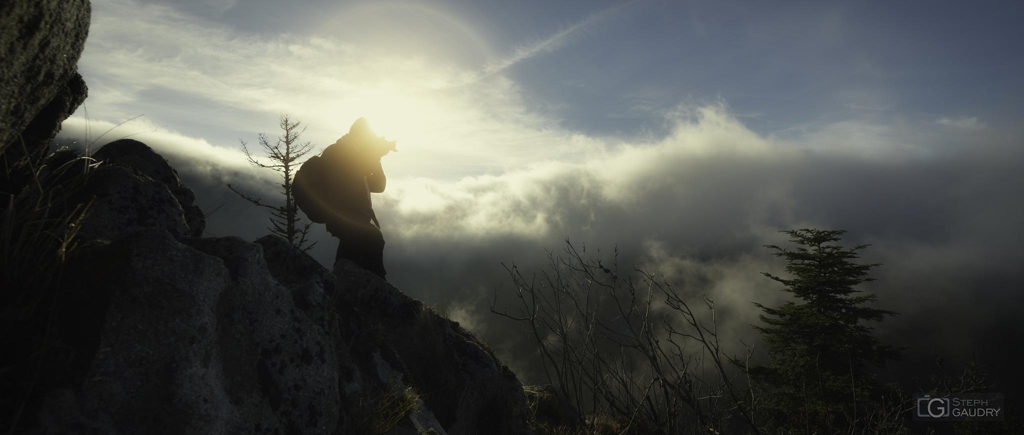 Les aventuriers de la brume. Expédition 2014. Autoportrait en action. [Click to start slideshow]