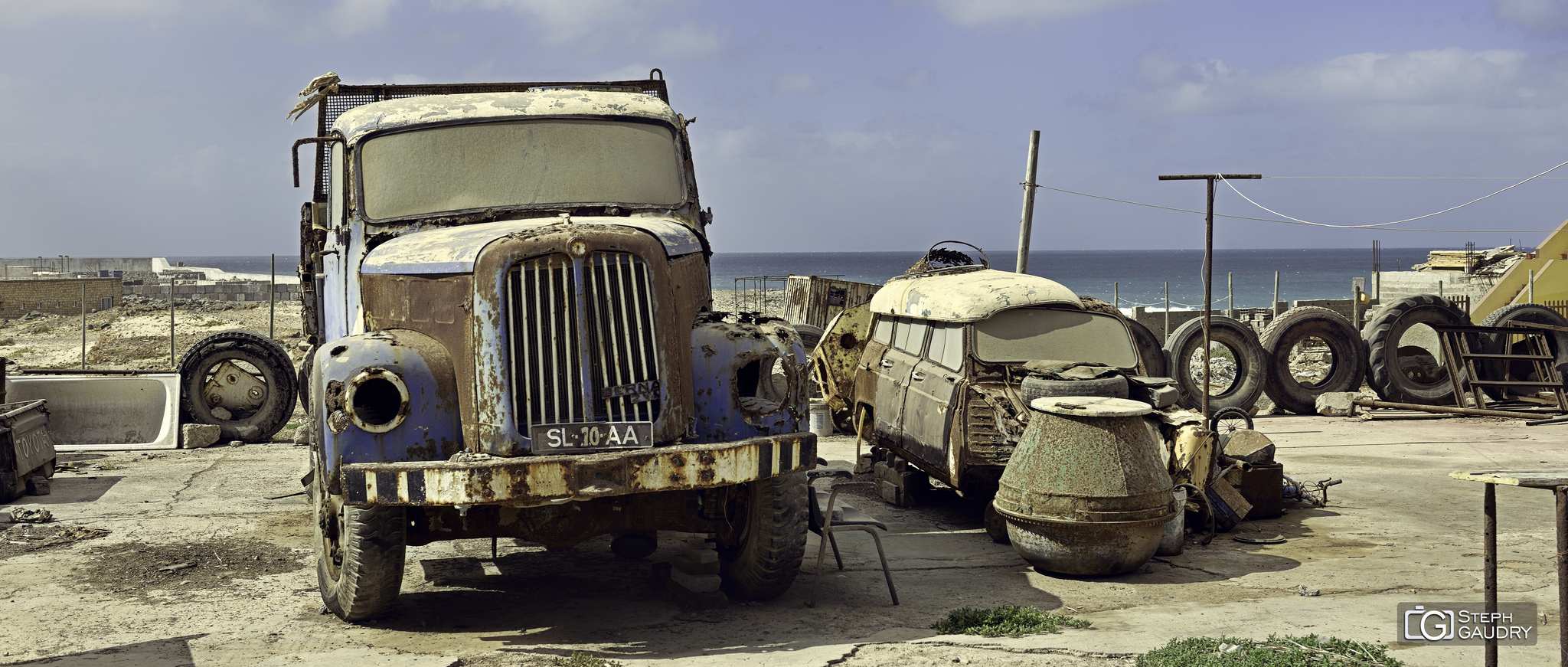 Epave de camion au Cap Vert [Cliquez pour lancer le diaporama]