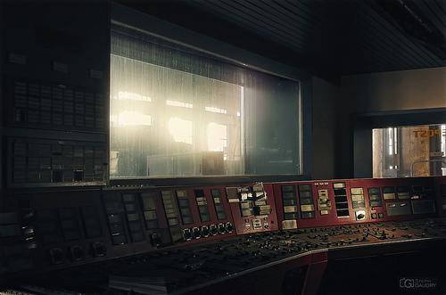 ECVB - Red control room - APS-C format (16-24)