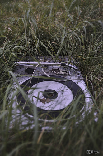 Doel, Abandoned record player