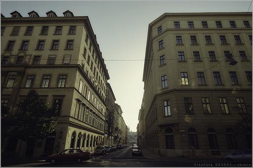 A kereszteződés között Steindl Imre utca és a Nádor utca