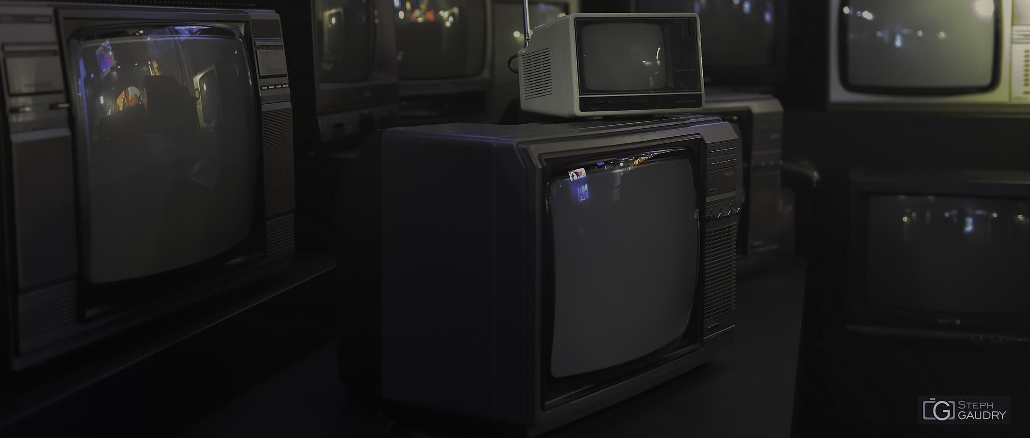 Anciens téléviseurs @ Generation '80 [Cliquez pour lancer le diaporama]