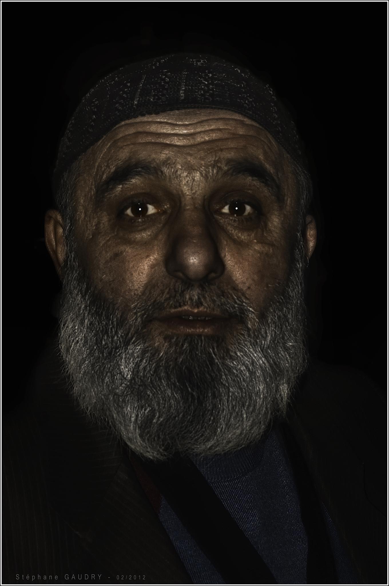 Istanbul, Portrait 201202-5 [Click to start slideshow]