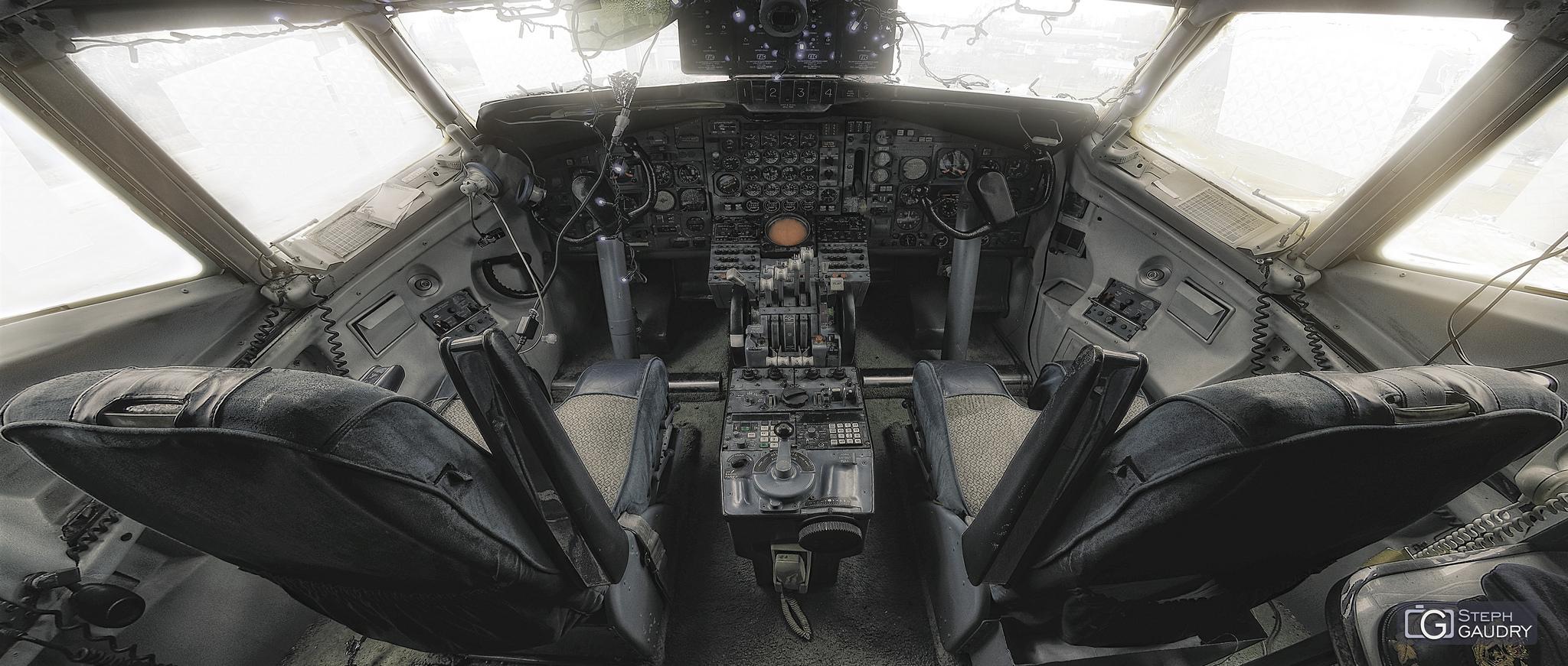 Cockpit Boeing 707 - Flat colored version