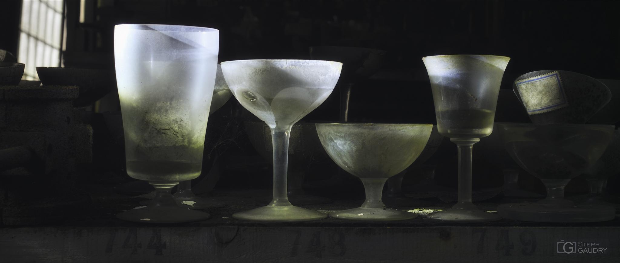 Il se noie plus de gens dans les verres que dans les rivières. [Click to start slideshow]