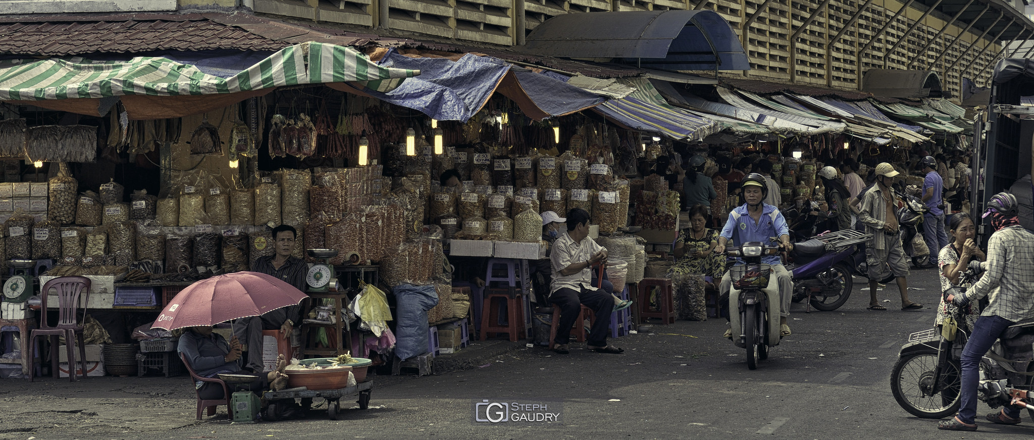 Marché à Ho Chi Minh City [Cliquez pour lancer le diaporama]