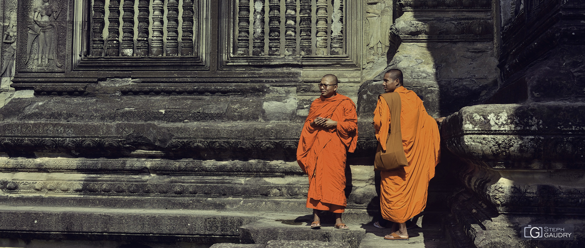 Bouddhistes dans les anciens temples au Cambodge [Klik om de diavoorstelling te starten]