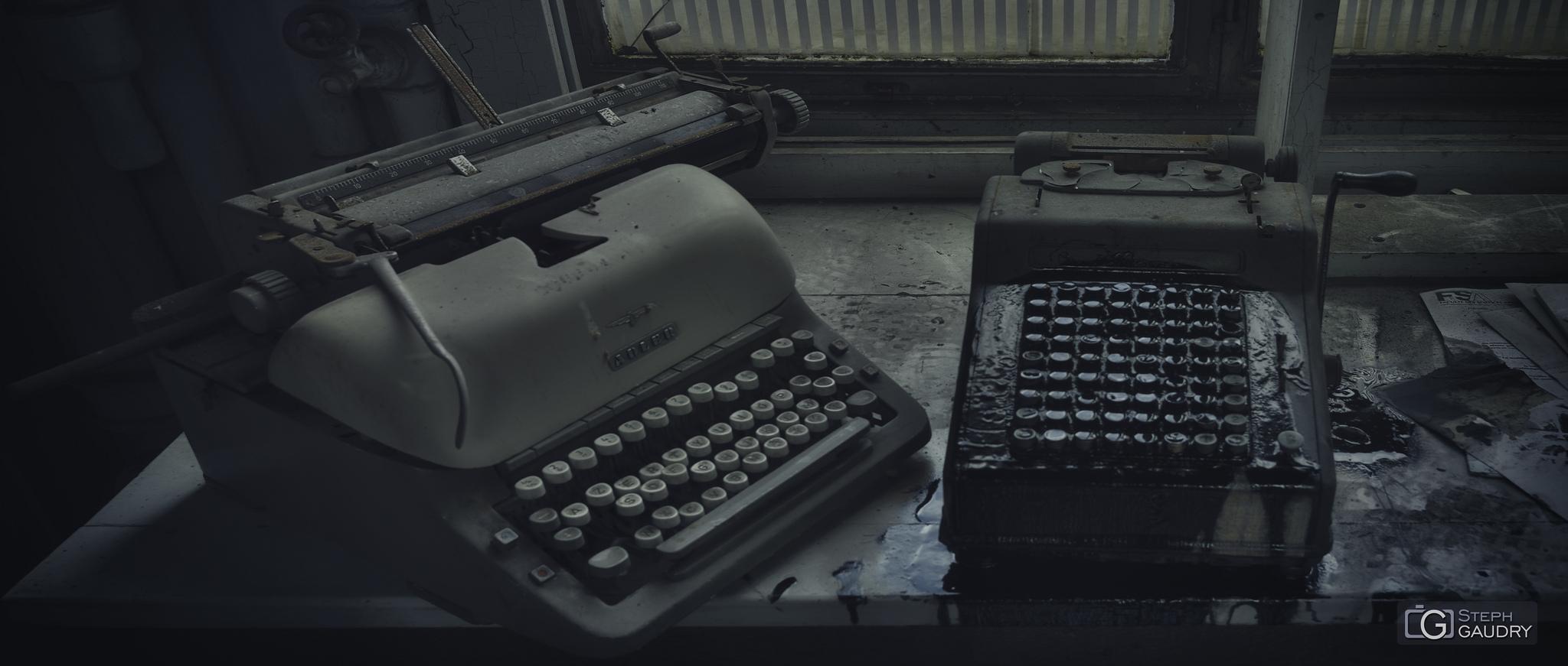 Adler typewriter [Cliquez pour lancer le diaporama]