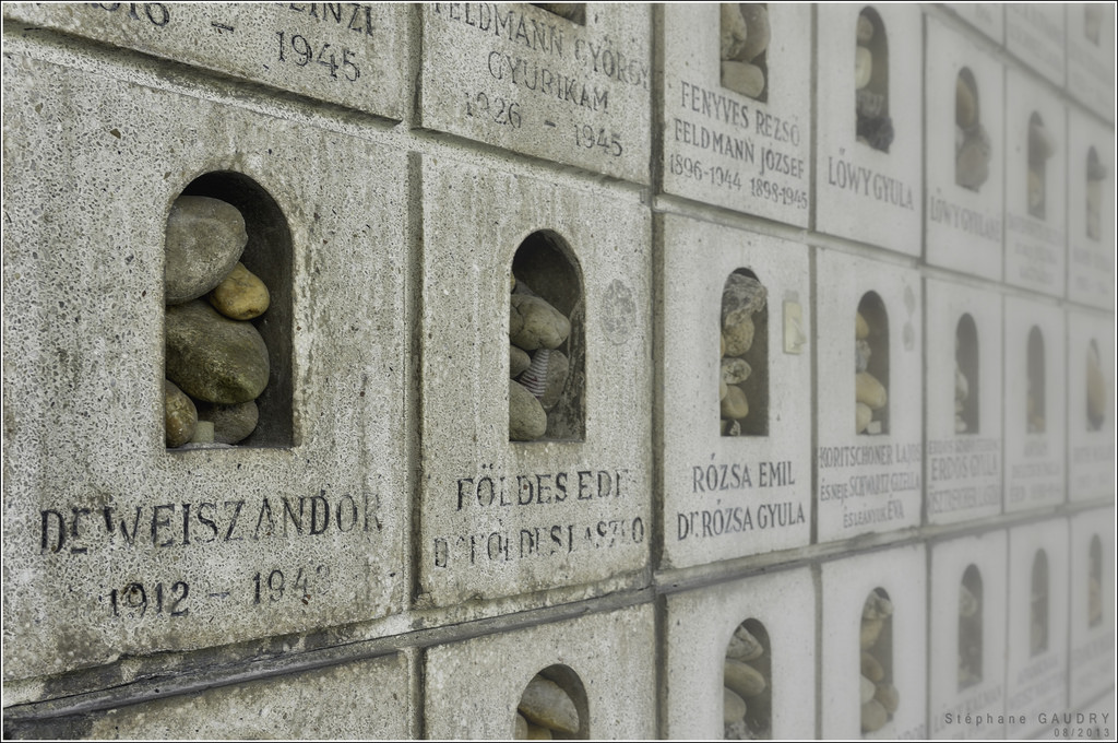 Budapest, Raoul Wallenberg Holocaust Memorial Park [Klik om de diavoorstelling te starten]