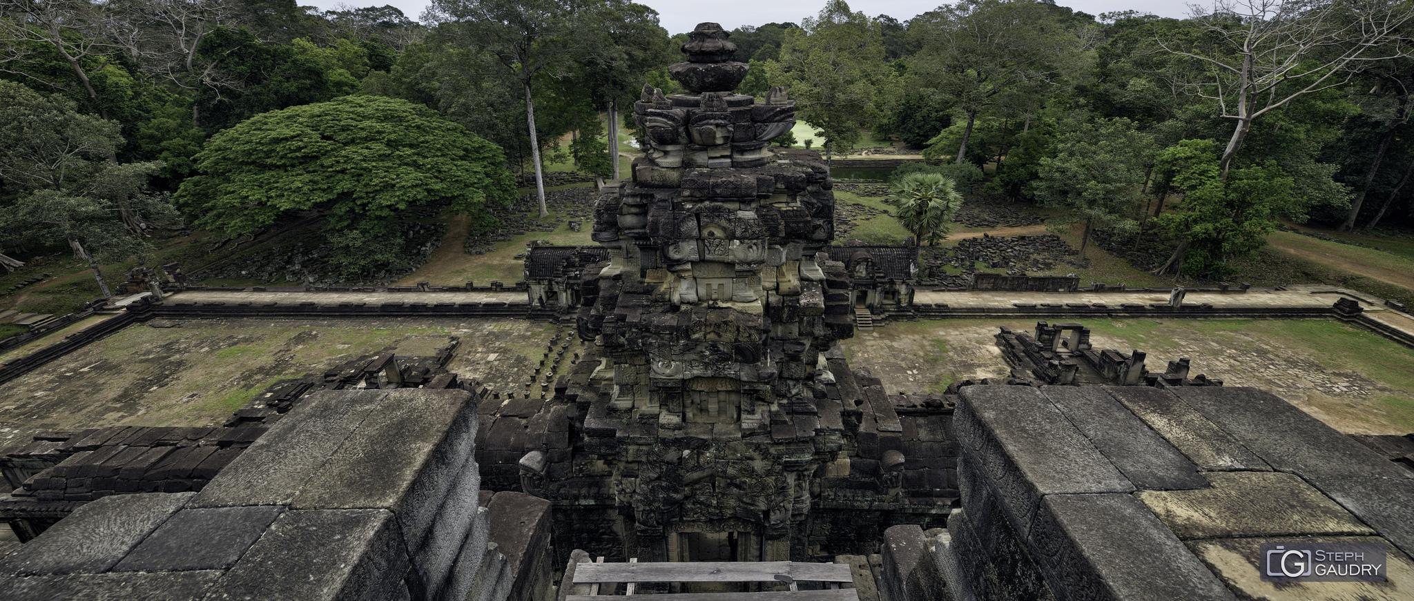 Baphûon (Angkor) [Klik om de diavoorstelling te starten]