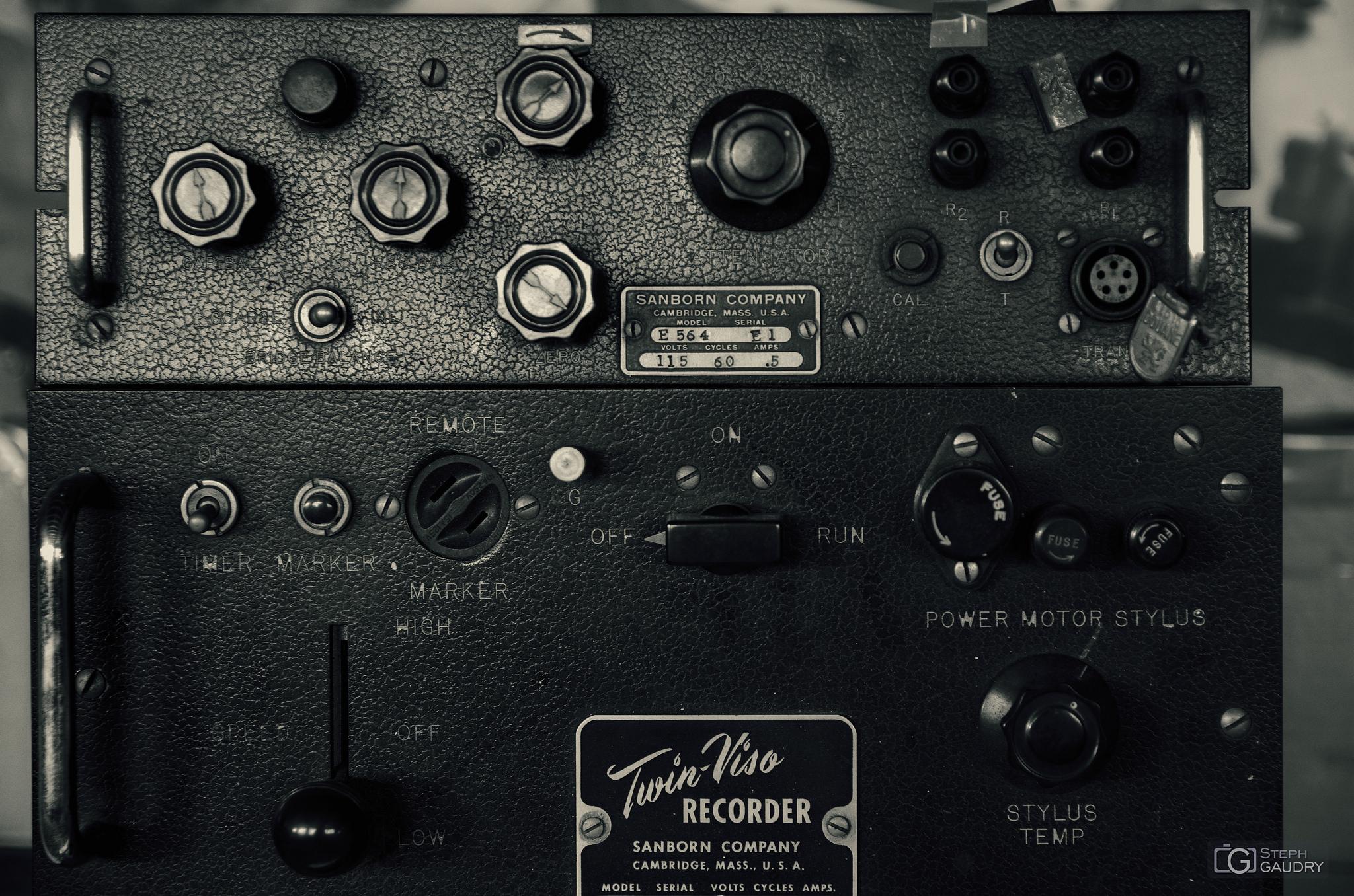 Twin-Viso RECORDER detail [Cliquez pour lancer le diaporama]