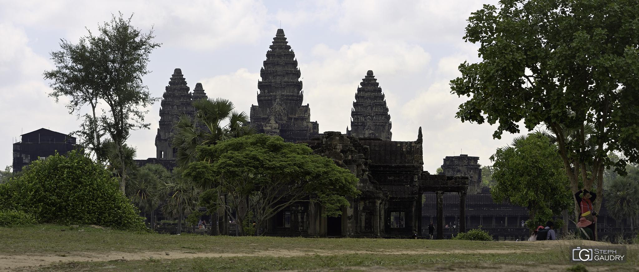 Angkor 2018_05_01_095656 [Click to start slideshow]