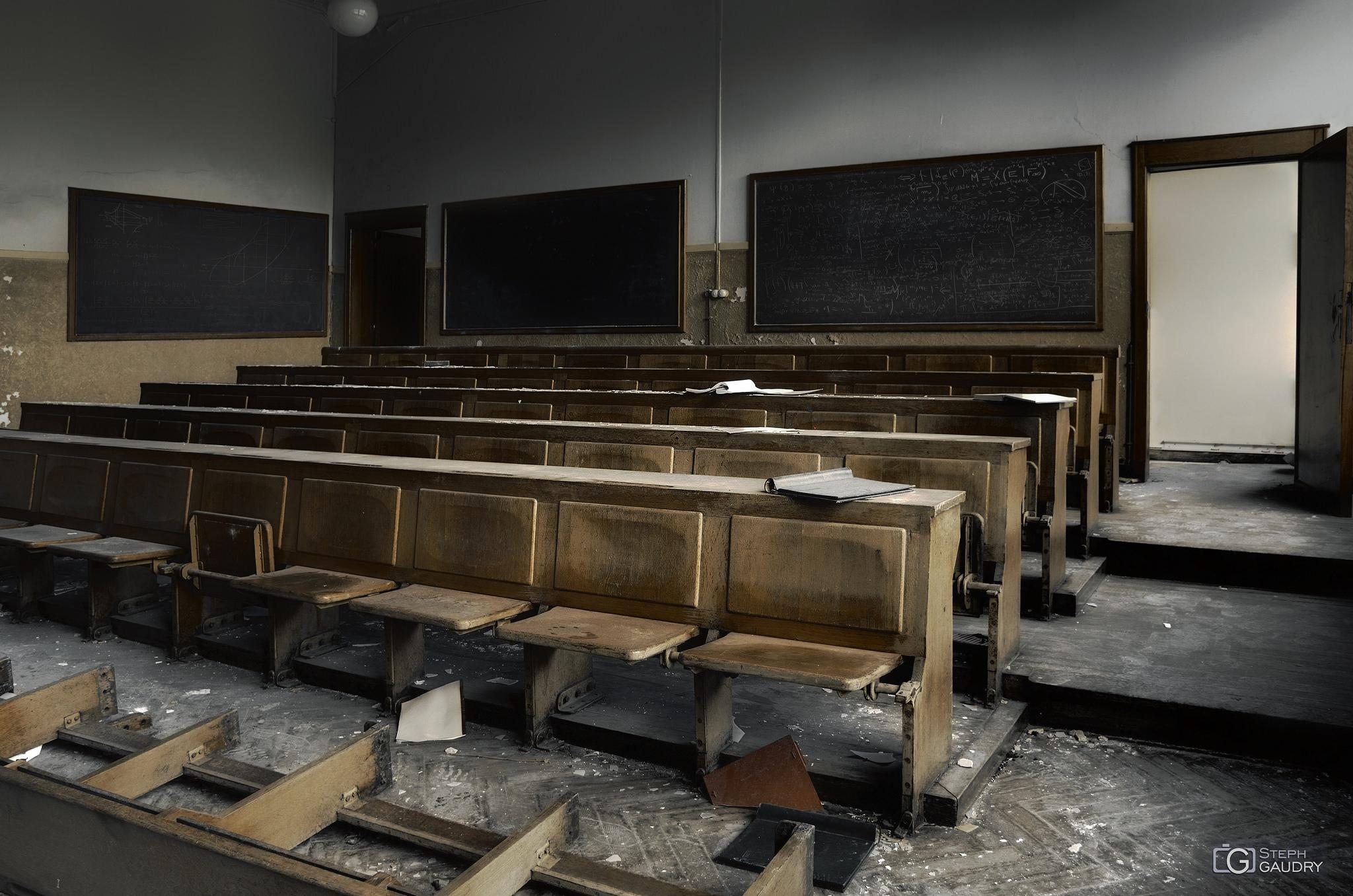 Nous ne retournerons plus sur les bancs d'école... [Klik om de diavoorstelling te starten]