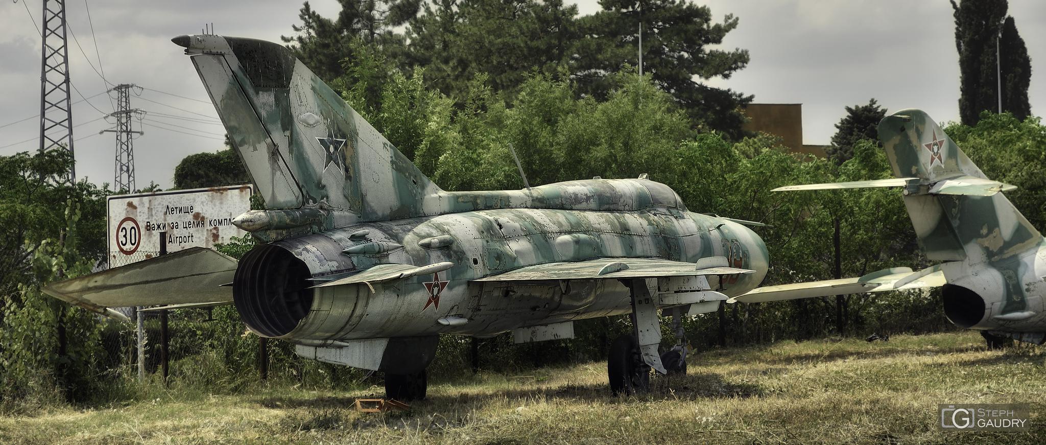 Old MiG-21 [Cliquez pour lancer le diaporama]