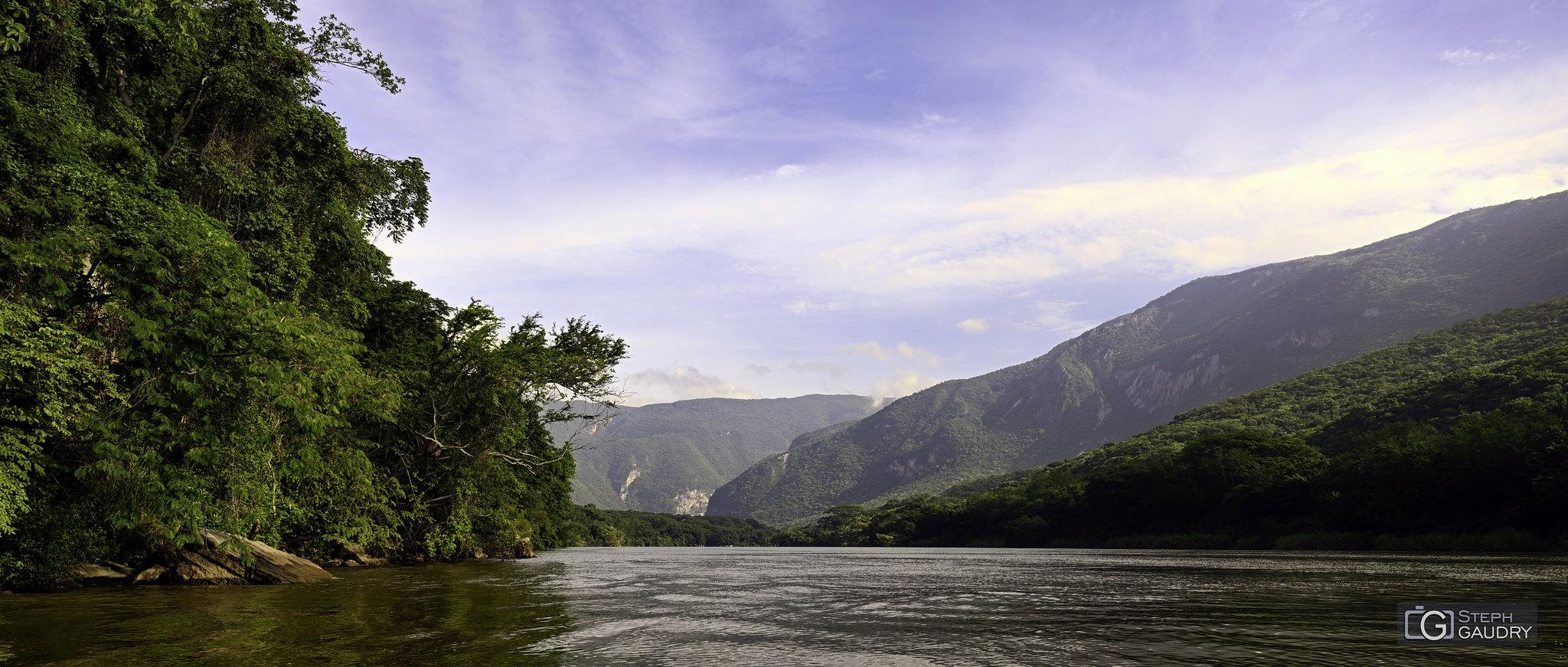 Les rives du Rio Grijalva (MEX) [Click to start slideshow]