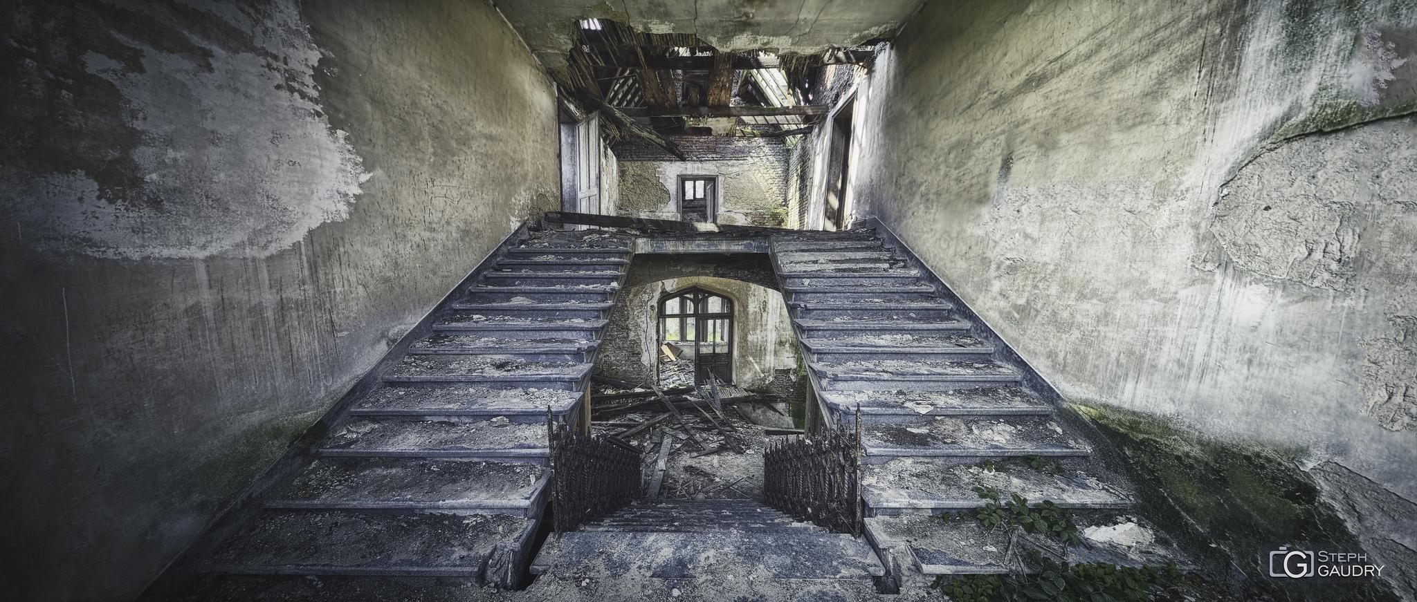 Château de Messen - escalier [Klicken Sie hier, um die Diashow zu starten]